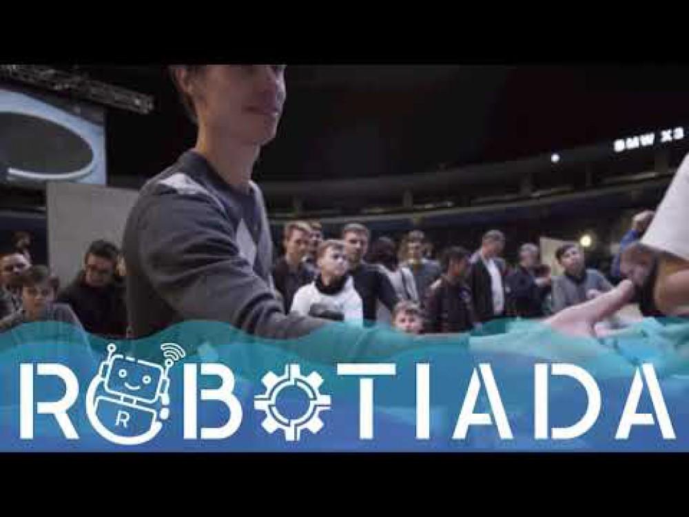 """Embedded thumbnail for Humanoidinis robotas Pepper kvietė susipažinti ir pažaisti """"Robotiados"""" parodoje"""